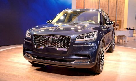 THE LINCOLN AVIATOR WILL DEBUT AT THE LOS ANGELES AUTO SHOW
